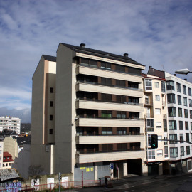 Edificio de seis plantas en Orense